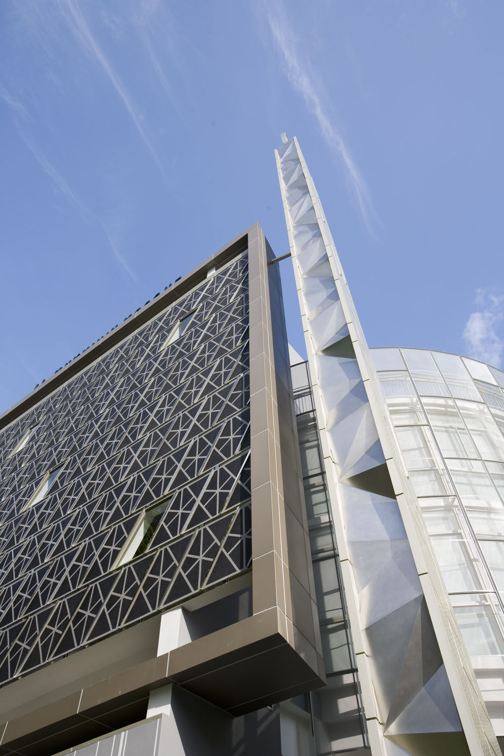 Modern islamic architecture pictures to pin on pinterest for Modern islamic building design