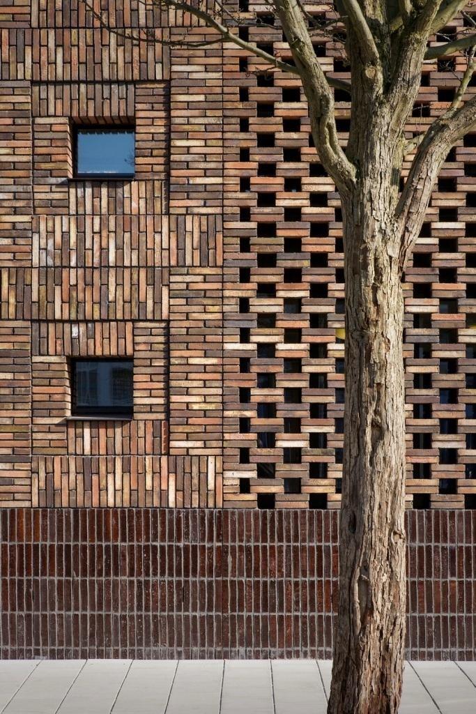 Fusion multi cultural center marlies rohmer islamic for Brick architecture styles